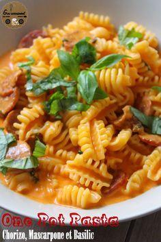 Une petite recette de pâtes pour aujourd'hui sur le blog ! Et pas n'importe quel plat de pâtes, un fameux One Pot Pasta  ! Je vous pr...