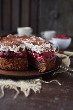 Hazelnut cherry cake: a family classic ⋆ Crunchy tub .- Haselnuss-Kirsch-Kuchen: ein Familienklassiker ⋆ Knusperstübchen Hazelnut cherry cake without flour - Baking Recipes, Cookie Recipes, Dessert Recipes, Pie Recipes, Hazelnut Cake, Chocolate Hazelnut, Cake Chocolate, Cherry Cake, Sweet Bakery