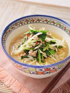 台湾ラーメン by サッポロ一番 [クックパッド] 簡単おいしいみんなの ... Soup, Ethnic Recipes, Soups