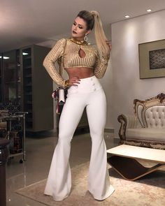 Hot Outfits, Classy Outfits, Fashion Outfits, Ropa Color Neon, Brazil Fashion, White Jeans Outfit, Dope Fashion, Elegant Outfit, Sexy Hot Girls