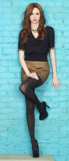 Karen Gillan (actor) (style) (stockings) (legs) (heels) (standing/leaning) (front)