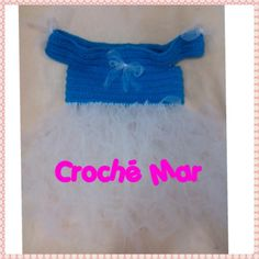 Vestido azul con tuul blanco tejido por Croche Mar