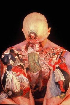 Museum Anatomy, de Laura Spector e Chadwick Gray. Eles reproduzem obras de museus ao redor do mundo usando o corpo humano como tela.