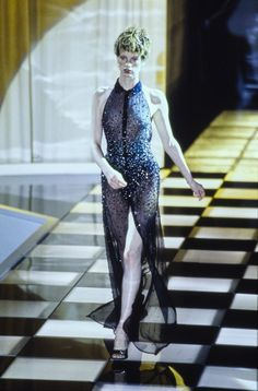 Versace Spring 1996 Ready-to-Wear Collection Photos - Vogue