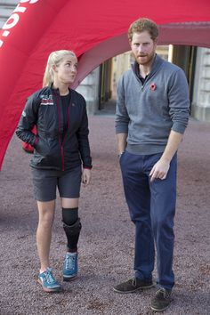 Prince Harry Photos - Prince Harry Meets Walking With the Wounded Team - Zimbio