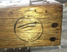 www.gietfabriek.nl - Gietproces van houten tafel voor de Telegraaf in Amsterdam