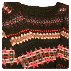Cute Sweater  Super cute & comfy; only worn once or twice; looks great with jeans or tights & a nice pair of boots  BUNDLE & SAVE  American Eagle Outfitters Sweaters Crew & Scoop Necks