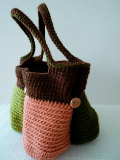 Compartmentalized tote bag - I need this! This is a must make, FREE INSTRUTIONS