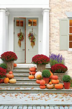 for Easy Garden Fall Decorations - - Stunning Fall Planters For Easy Garden Fall Decorations 59 Stunning Fall Planters for Easy Garden Fall Decorations - - Stunning Fall Planters For Easy Garden Fall Decorations 59 - Another view of this stylish garden Mums In Pumpkins, White Pumpkins, Fall Pumpkins, Autumn Decorating, Porch Decorating, Decorating Ideas, Decor Ideas, Autumn Garden, Easy Garden