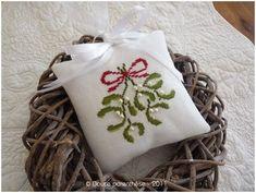 coussin_bouquet_gui - mistletoe cushion - speachless <3