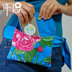 Pochete Pochita Diy Coin Purse, Clutch Purse, Hip Bag, Sewing Accessories, Small Bags, Purses And Bags, Diaper Bag, Sewing Projects, Sewing Patterns