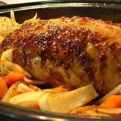La meilleure recette pour qu'un rôti de porc ne soit pas sec mais délicieux ! Rôti de porc glacé au sirop d'érable et à la moutarde @ allrecipes.fr