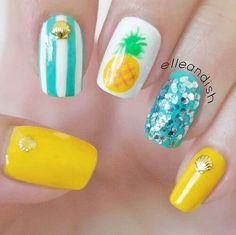 Unhas de verão# amarelo e azul# riscas# ananas