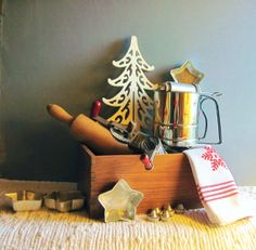 Christmas Baking Kitchen Collection ~ 18 piece set ~ Retro red 1950's with a dovetailed wooden box