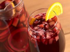 While sangria is a Spanish drink, the Mexican culture has created their own version of this fruity drink. Mexican sangria is easy to make. Sparkling Sangria, Holiday Sangria, Fall Sangria, Holiday Drinks, Champagne Sangria, Apple Sangria, Holiday Parties, Red Sangria Recipes, Punch Recipes