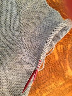 how to knit a set-in, top-down sleeve - Knitionary