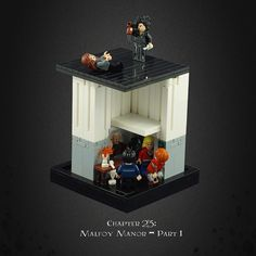 Harry Potter and the Deathly Hallows 13 – Stuck in the Cellar of Malfoy Manor Harry Potter Dolls, Harry Potter Wizard, Lego Hogwarts, Lego Pictures, Star Wars Facts, Cool Lego, Awesome Lego, Lego Worlds, Lego Design
