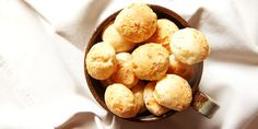 Mini pão de queijo temperado | DigaMaria