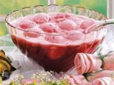 Raspberry Champagne Punch - Wow, This punch is too good. I used frozen strawberries and orange sherbert and it was delicious. I had 4 glasses before I even realized it! Definitely a favorite for parties! Raspberry Sherbert Punch, Sorbet Punch, Sherbert Punch Recipes, Pink Punch Recipes, Champagne Punch Recipes, Champagne Sorbet, Orange Sherbert, Strawberry Champagne, Juice Recipes