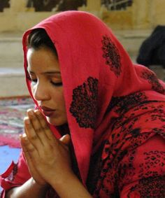 Pakistan: Muslims Use False Allegations of Blasphemy to Steal Christian Land - http://theconspiracytheorist.net/2014/02/23/mid-east/pakistan-muslims-use-false-allegations-of-blasphemy-to-steal-christian-land/