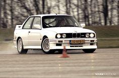 BMW M3 E30 drifting