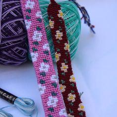 Alpha friendship bracelet pattern added by aailac. Yarn Bracelets, Embroidery Bracelets, Bracelet Crafts, Cute Bracelets, Braided Bracelets, Macrame Bracelet Tutorial, Diy Friendship Bracelets Patterns, Alpha Patterns, Macrame Knots