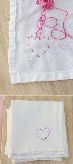 DIY ผ้ากันเปื้อนปักรูปหัวใจ