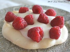 24/7 Low Carb Diner: Pavola --Beautiful Dessert Light as Air and only 28 calories.
