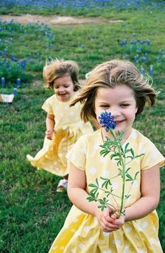 taking bluebonnet photos.