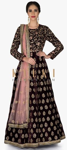 Burgundy Velvet Gown and Pink Net Dupatta with Zari and Cut Dana Work only on Kalki Indian Gowns, Indian Outfits, Party Wear Dresses, Dress Outfits, Velvet Gown, Velvet Dresses, Indowestern Gowns, Velvet Dress Designs, Indian Designer Wear