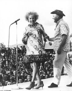 Phyllis Diller & Bob Hope entertaining the troops
