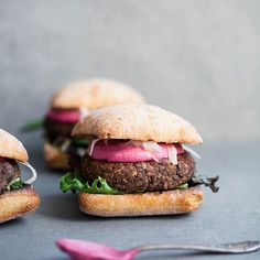 Mushroom & Black Bean Burger with Cashew Beet Cream & Quick Pickled Fennel