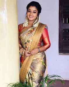 Rhema Ashok is an Indian Actress, who is working in Tamil television industry. She was born in Madurai, Tamil Nadu Beautiful Girl Indian, Most Beautiful Indian Actress, Beautiful Hijab, Gorgeous Women, Indian Girls Images, Saree Photoshoot, Saree Trends, Saree Models, Beauty Full Girl