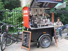 coffee trike in action Coffee Van, Coffee To Go, Coffee Food Truck, Mobile Coffee Shop, Food Cart Design, Mobile Cafe, Mobile Shop, Coffee Trailer, Bike Food
