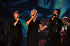 pictures of anne murray | Anne Murray and Sarah Brightman Photo - 2008 Juno Awards - Show