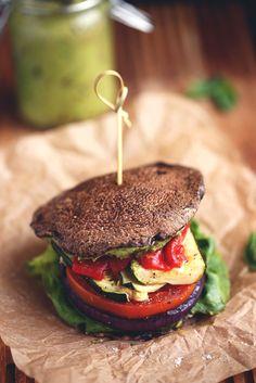 Sandwich Recipe: Roasted Vegetable Sandwich w/ Avocado-Basil Aioli #healthy #plantbased #whatveganseat #recipes #glutenfree #sandwich