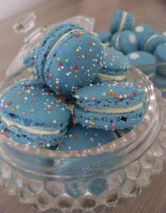 Macarons  I LOVE the Blue