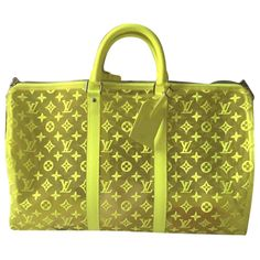 Superb keepal 50 in neon embroidered canvas of the autumn winter parade by virgil abloh. Shoulder strap, padlock, address holder and dustbag provided. Louis Vuitton Keepall, Sacs Louis Vuiton, Sac Week End, Vuitton Bag, Bago, Mellow Yellow, Luxury Consignment, Louis Vuitton Monogram, Dust Bag