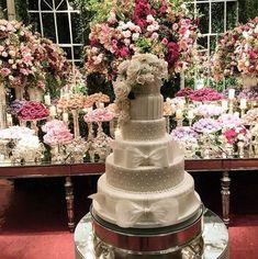 Os detalhes do 1º casamento entre mulheres do Copacabana Palace   VEJA RIO