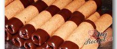 Recept Vánoční trubičky máčené v čokoládě Hot Dog Buns, Hot Dogs, Dessert, Bread, Ethnic Recipes, Teller, Erika, Rolo, Gratin