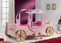 A princess bed http://walterbed.com/lit-voiture-Princesse-Walterbed-0,,1504,0.html