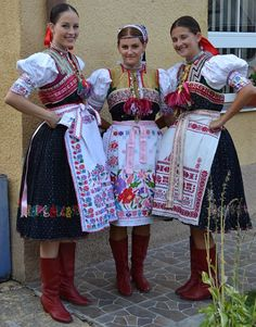 Myslava (today part of town Košice), Abov region, Eastern Slovakia. Period Outfit, Christmas Costumes, Folk Costume, Girl Dancing, Historical Costume, Fashion History, Women's Fashion, Festival Wear, History