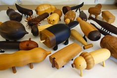 Wooden animals by Yan Ruilin