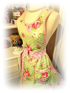 Hey, I found this really awesome Etsy listing at https://www.etsy.com/listing/218772691/spring-garden-womans-over-the-neck-apron