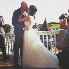 Amazing Weddings, Past, Past Tense