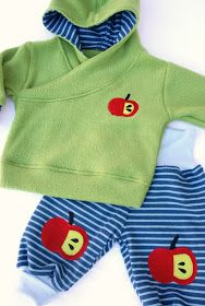 Baby Pulli Sewing For Kids, Baby Sewing, Diy For Kids, Little Boy Outfits, Kids Outfits, Fleece Pullover, Baby Clothes Patterns, Children In Need, Diy Shirt