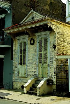 New Orleans Shotgun house!  One of our enggement pics was taken on this stoop!