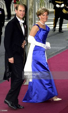 Britain''s Prince Edward and his wife Sophie Rhys Jones attend the wedding of Norwegian Crown Prince Haakon and Mette-Marit Tjessem Hoiby August 25, 2001 at the Oslo Cathedral.