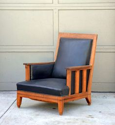 View this item and discover similar for sale at - Chic waxed oak Arts & Crafts deep armchair. Furniture Upholstery, Furniture Decor, Furniture Design, Ottoman Sofa, Armchair, Morris Chair, Craftsman Decor, Art Nouveau, Art Deco