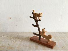 Vintage hout gesneden Duitse handgemaakte hond & kat door TupeloBear